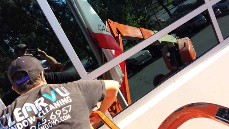 Commercial Window Washers Temecula CA